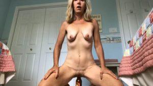 Vanha ja löysä pillu saa orgasmin