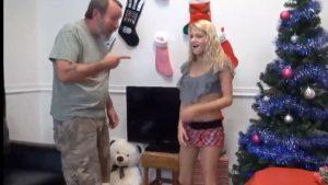 Teinipillua Jouluna irstaalle isäpuolelle